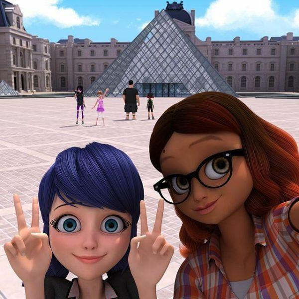 selfi com marinete e sua amiga