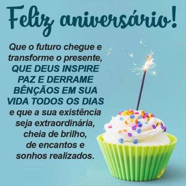 feliz aniversario que o futuro chegue e transforme o presente