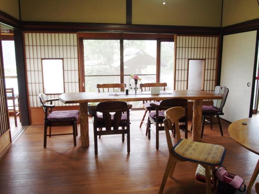 茂登田 テーブル
