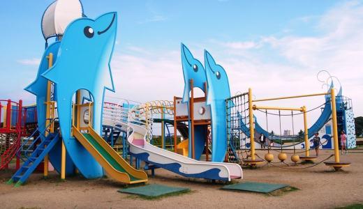 海がすぐそこ!「玉島みなと公園」はロケーションが抜群で大型遊具も充実だよ