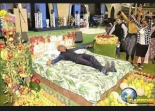 Humm! Pastor Shows His Members What Heaven Looks Like That