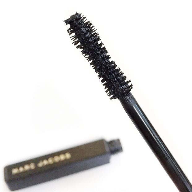 My lashes cooperate best with a curved brush, but I was curious to see how this one would apply.