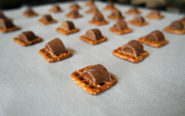 pretzel tray