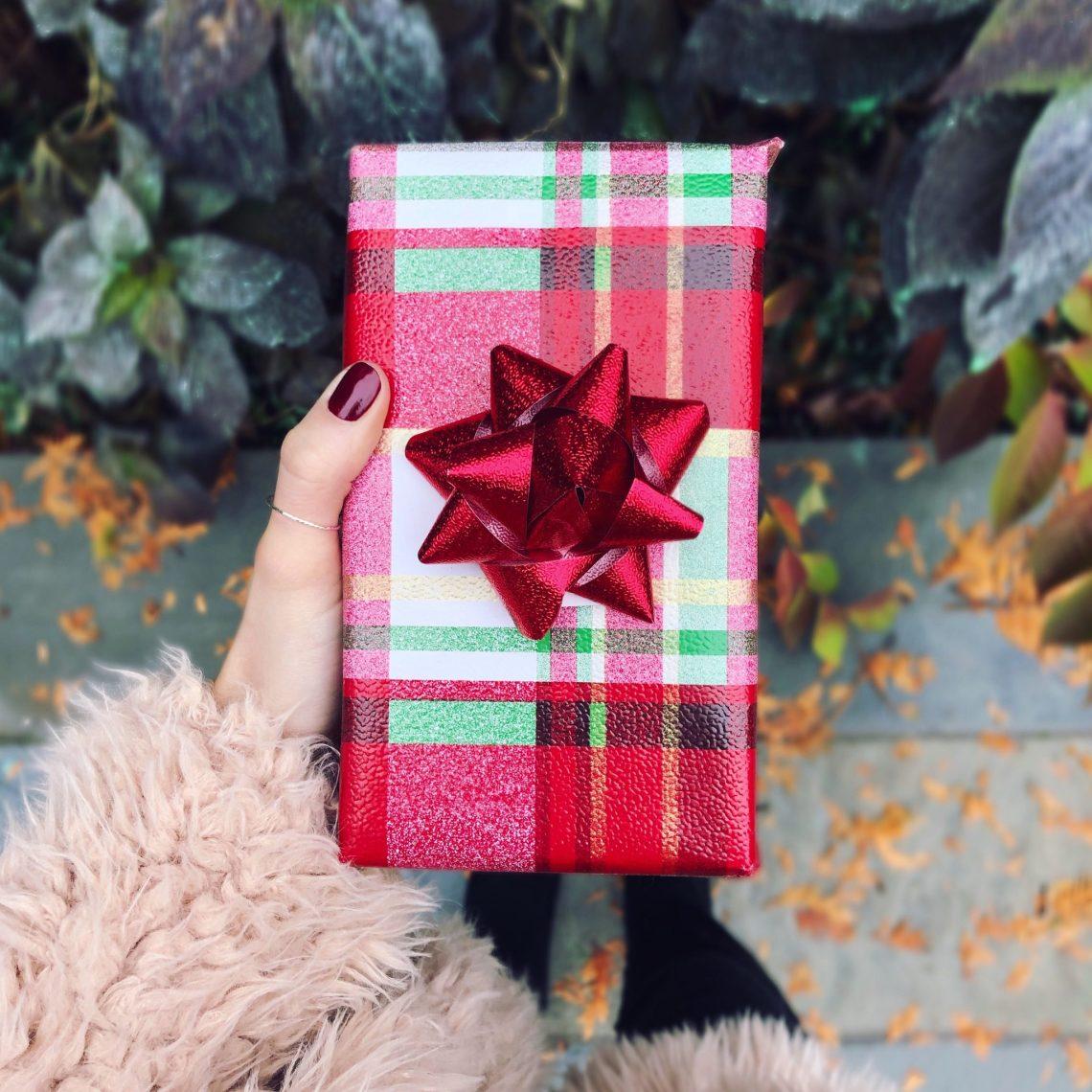 Grab Bag Gift Ideas $25 and UNDER – Amanda Bella