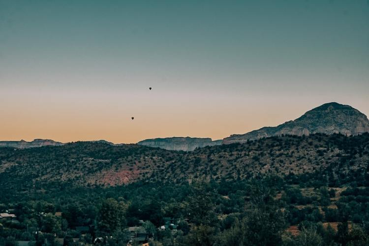 Sunrise with air balloons in Sedona