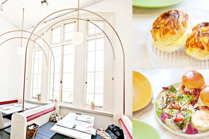台南美食『Minimou Brunch』隱身於台文館內的絕美純白系早午餐。美味手作漢堡吃起來!台南藝FUN券 台南下午茶 台南中西區