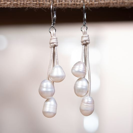Drop Cluster Pearl Leather Earrings - IVORY