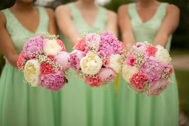 pink-green-virginia-beach-oceanfront-wedding-photo-19