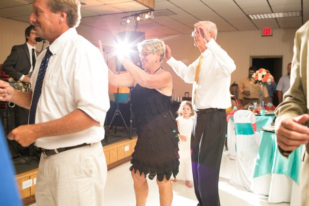 teal-coral-southampton-county-wedding-photographer-85