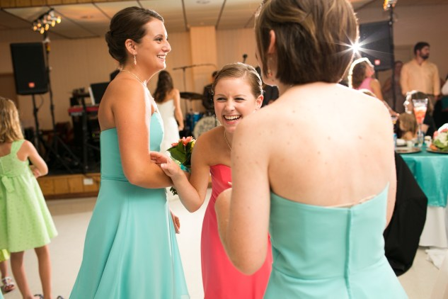 teal-coral-southampton-county-wedding-photographer-94