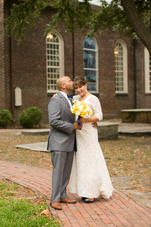 navy-yellow-yacht-club-wedding-norfolk-47