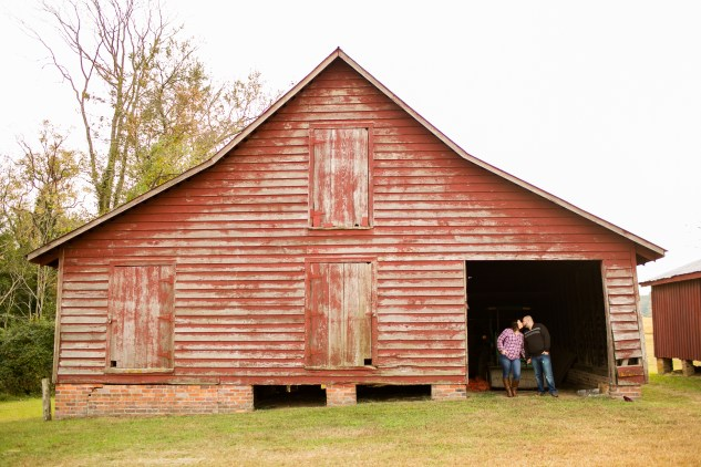 smithfield-southern-rustic-engagements-26