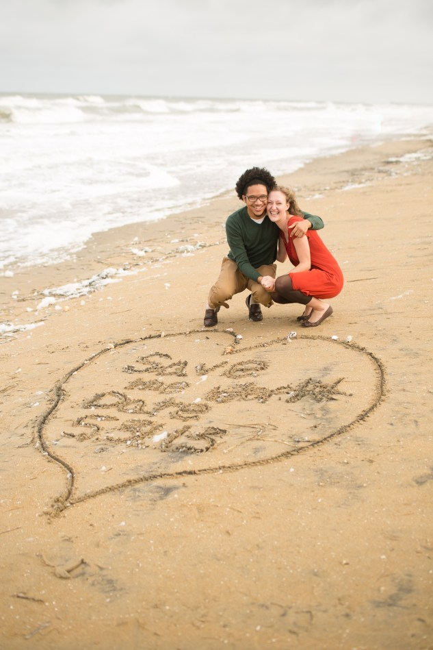 virginia-beach-engagement-photo-2