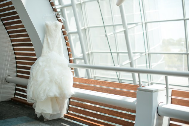 black-white-classic-virginia-beach-convention-center-wedding-14