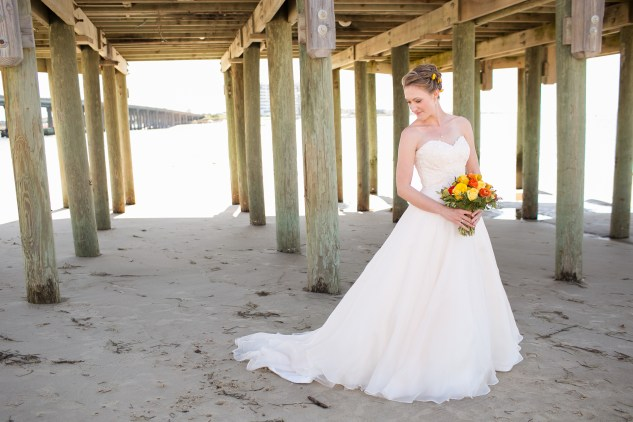 yellow-red-coastal-lesner-inn-wedding-virginia-beach-54