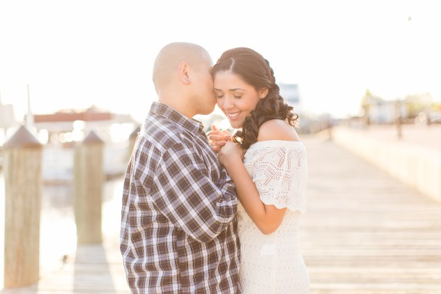 norfolk-engagement-photo-waterside-amanda-hedgepeth-29