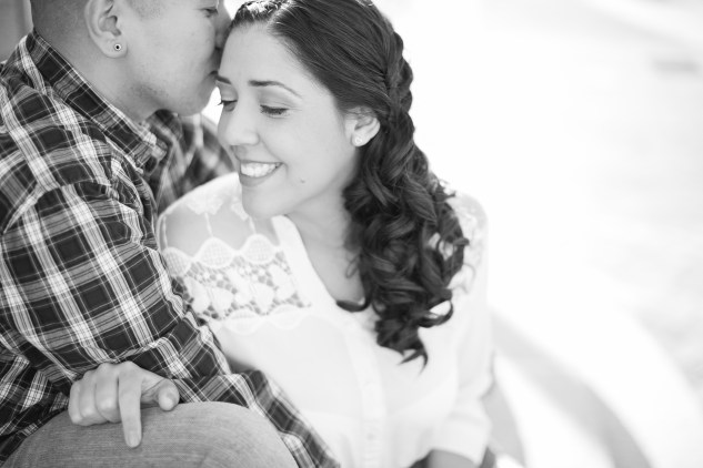 norfolk-engagement-photo-waterside-amanda-hedgepeth-4