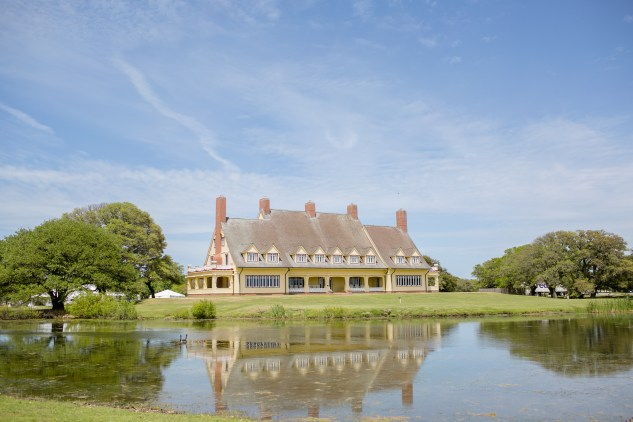 whalehead-club-corolla-outer-banks-obx-wedding-photo-photographer-14