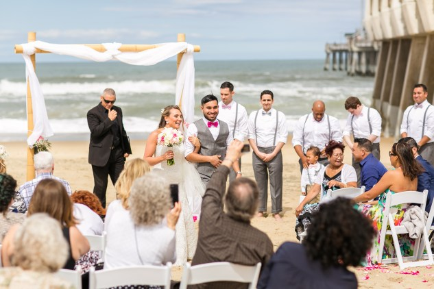 jennettes-pier-nags-head-obx-outer-banks-wedding-photo-amanda-hedgepeth-5