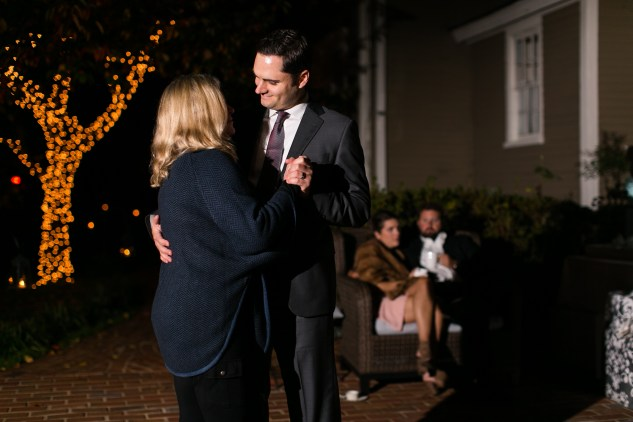 carly-charlie-wedding-blog-edenton-north-carolina-inner-banks-inn-93