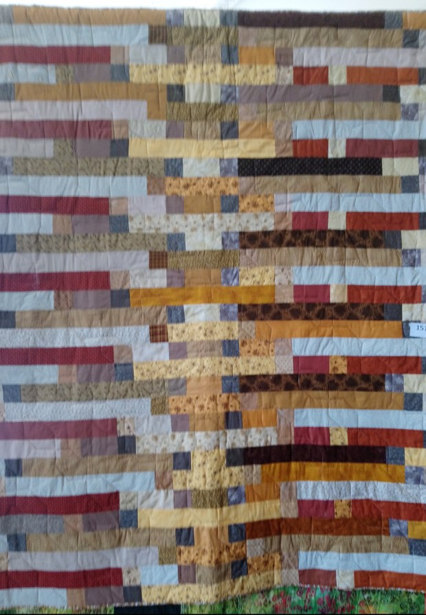 Copper and Gold quilt by Amanda Jane Textiles