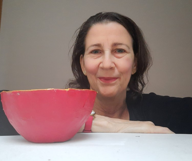 This image has an empty alt attribute; its file name is Make-a-papier-mache-bowl-with-Amanda-Jane-Ogden-1024x860.jpg