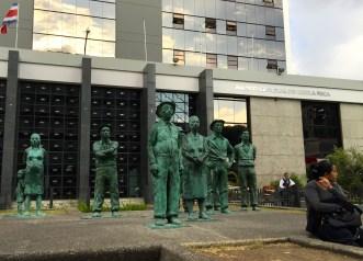 Sculpture of Costa Ricans