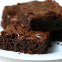 Vegan-Clean-Eating BROWNIES with Spinach!