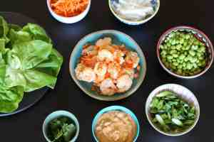 shrimp lettuce wraps, lettuce wraps, shrimp with peanut sauce