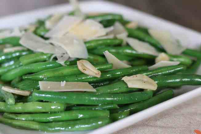 easy green beans, garlic green beans, parmesan garlic green beans