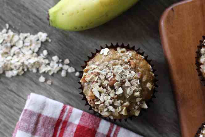banana nut oat muffins, banana oat nut muffins