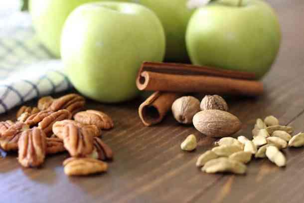apple crisp recipe, amandas plate apple crisp