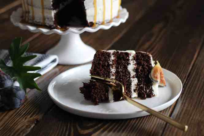 salted caramel chocolate fig cake