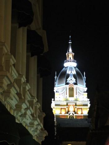 Torre de una de las tantas Iglesias en Cartagena