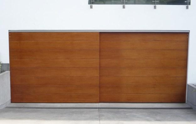 puerta eléctrica de la cochera