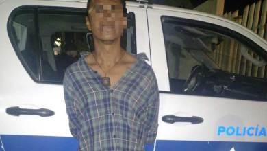 Photo of Detienen a presunto ladrón y encuentran que tiene orden de aprehensión