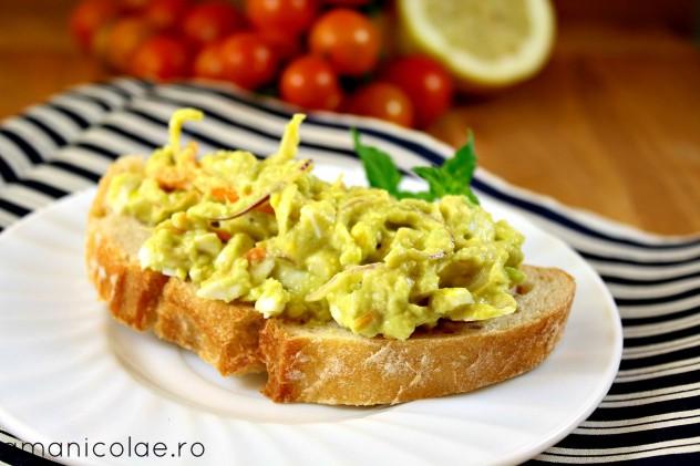 salata avocadoc