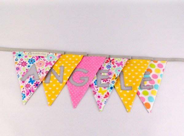 banniere-decoration-bapteme-guirlande-fanions-personnalisee-prenom-angele-rose-jaune-liberty-deco-chambre-fille