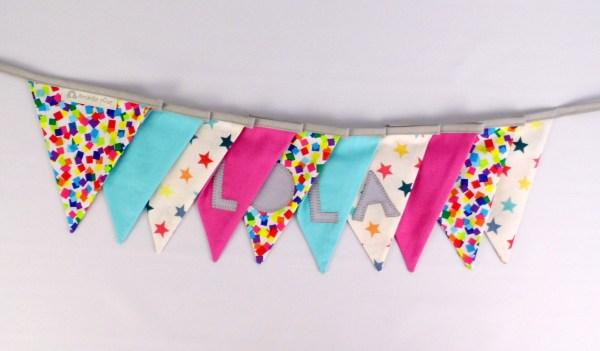 guirlande-fanions-personnalise-prenom-lola-banderole-decoration-chambre-bebe-fille-rose-fuchsia-bleu-turquoise-violet-personalized-name-banner-girl-pink-purple