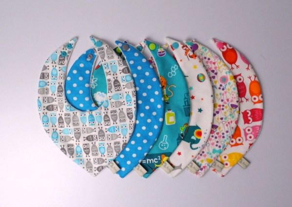 bavoir-bandana-personnalises-sur-commande-choix-tissus-bavoir-foulard-dentition-fille-garcon-bavoir-bio-cadeau-naissance-bapteme