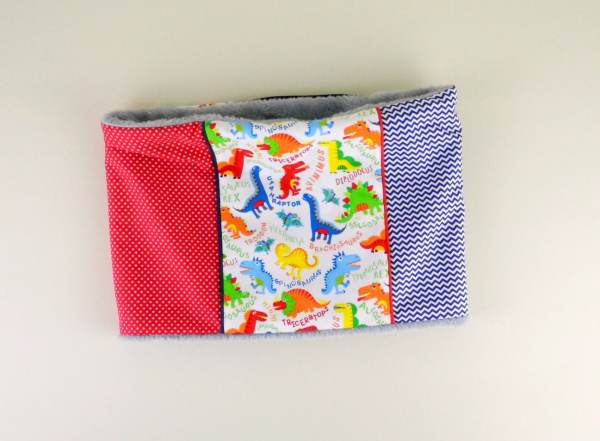 cache-cou-enfant-personnalise-dinosaure-rouge-bleu-marine-echarpe-tube