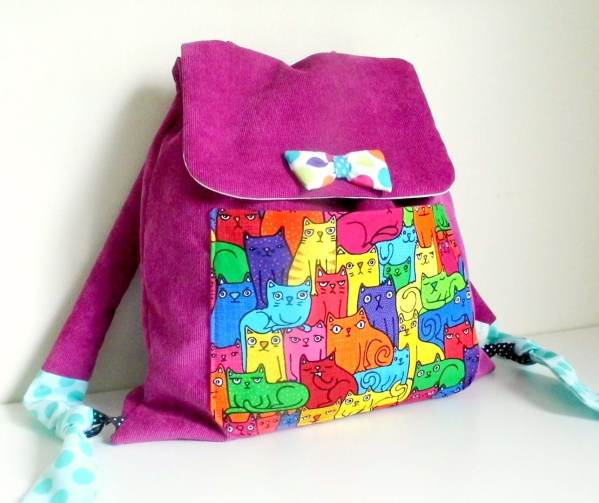 sac-a-dos-maternelle-fille-personnalise-prenom-couleurs-rose-chat-sac-bebe-creche-cadeau-naissance-personnalisable