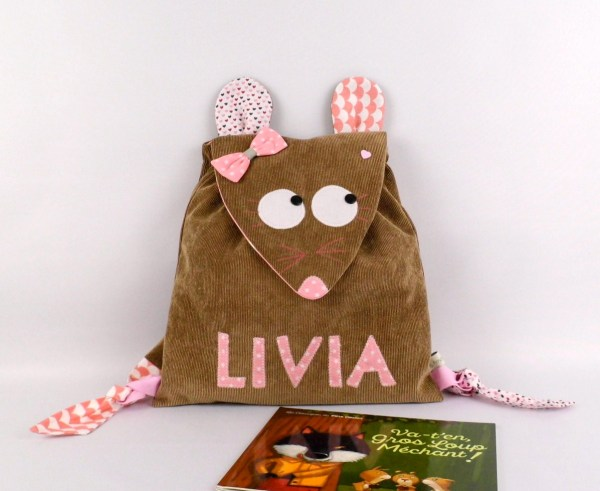 sac-fille-personnalise-prenom-livia-marron-rose-pale-ecole-maternelle-creche-baby-girl-backpack-personalized-name