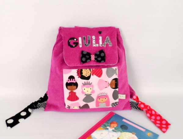 sac-princesse-personnalisable-prenom-giulia-rose-noir-couleurs-au-choix-sac-a-dos-bebe-brode-personnalise-cadeau-noel-fille-3-ans