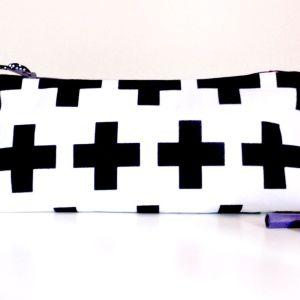 trousse-ecole-adolescent-blanc-imprime-geometrique-croix-noir-trousse-ecole-lycee
