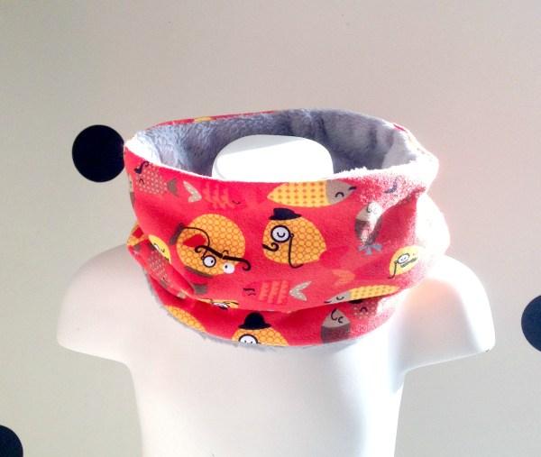 tour-de-cou-enfant-bebe-jersey-polaire-snood-imprime-poissons-moustaches