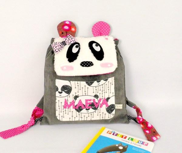 sac-panda-bebe-creche-prenom-personnalise-gris-rose-amanite-rose-sac-enfant-original