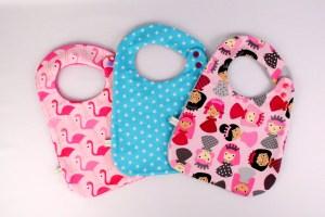lot-bavoir-personnalisable-prenom-cadeau-bapteme-fille-amanite-rose