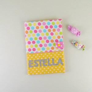 protege-carnet-sante-personnalise-fille-estella-arc-en-ciel-jaune-naissance-bapteme