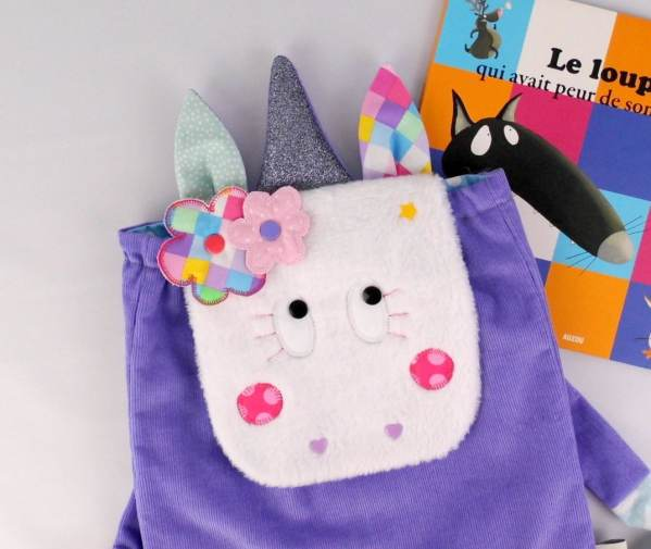 sac-a-dos-licrone-fille-personnalise-prenom-couleurs-mauve-rose-couronne-fleurs-unicorn-toddler-backpack-with-name-purple-pink
